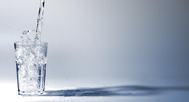 L'hydratation, clé de la jeunesse de la peau